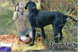 Интересные zoo porn фото произведенные на лужку