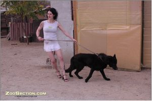 Реальные фото снимки зоопорно девица в юбке спаривается с кобельком
